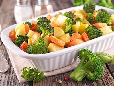 En verano, los fabricantes de verduras congeladas proponen un plan para llenar de salud la nevera