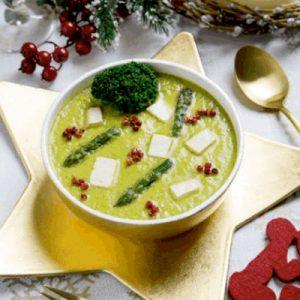 Sopa cremosa estilo japonés, con verduras congeladas miso y tofu