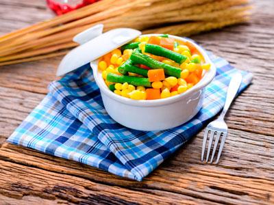 Si tienes invitados en casa, apuesta por un menú hecho a base de verduras congeladas