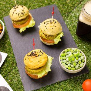 Mini Hamburguesas de guisantes con pan de coliflor