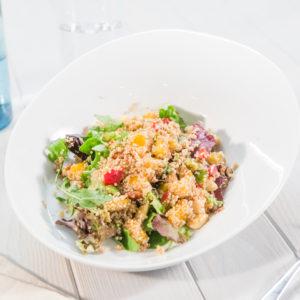 Ensalada de Quinoa con Pimientos y Mango