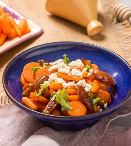 Zanahorias asadas con especias, vinagreta y queso de cabra